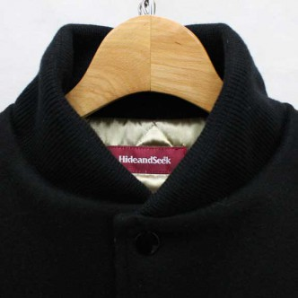 HIDE-and-SEEK-13-STADIUM-JKT-BLACK-COLLAR