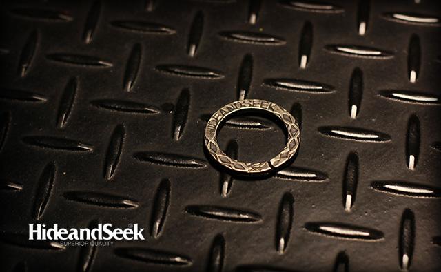 HIDE&SEEK Snake Ring