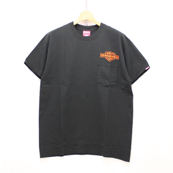 HIDE&SEEK Q.C. Emblem Pocket Tee:BLACK×ORANGE