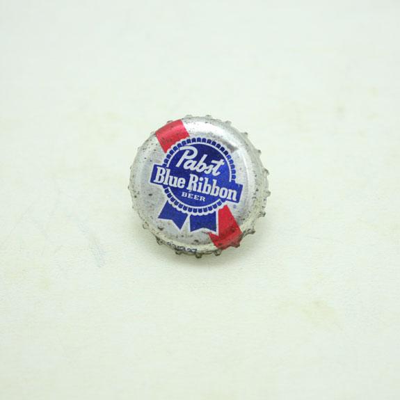 HIDE&SEEK Pabst Pins